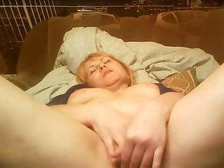 熱的48歲俄羅斯成熟的塔瑪拉在Skype上播放