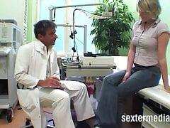 Zdeprawowany lekarz z kraju pieprzy pacjenta