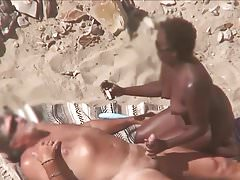 Interracial mature plage couple.avi
