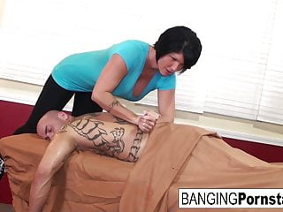 Blowjob Cumshot Hd Videos video: Shay Fox gives happy ending