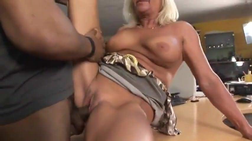 Смотреть порно с трансвеститы