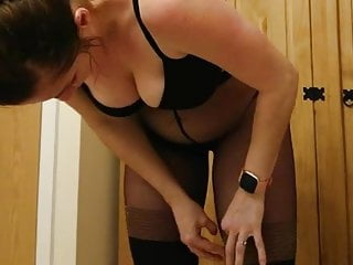 Voyeur Mature Pantyhose video: Dumb Pantyhose Bitch Dressing 02