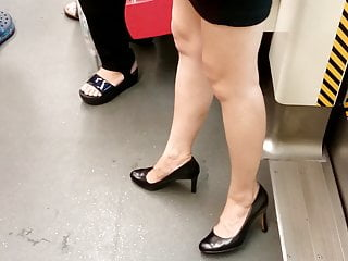 Asian Hd Videos video: Chinese Candid Legs