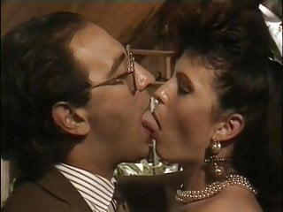 A Nice Long Vintage Porn Deep Kiss