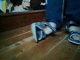 shoeplay in flip flops