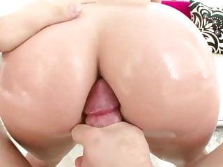 .Phoenix Marie gets her big ass fuked.