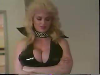 porno zadarmo - threesome seduced
