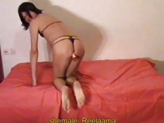 Reelaama and her dildo
