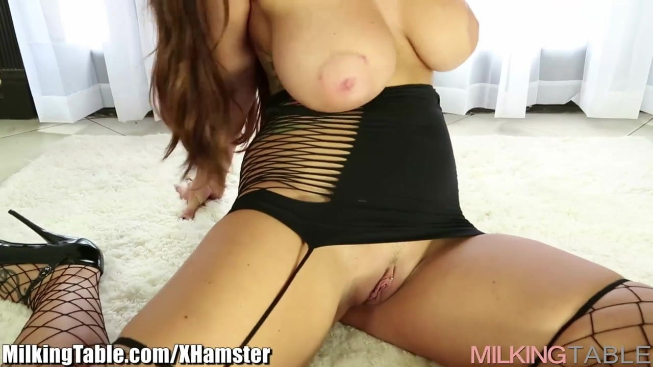 Huge Boobs Pregnant Milking