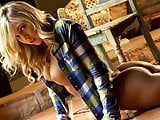 Blonde babe Zoey Taylor