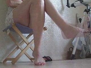 Twisting feet.