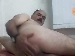 Muslim bear daddy...