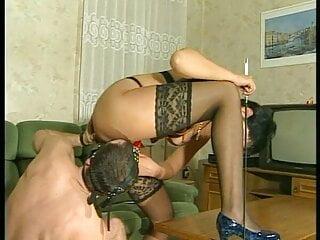 heisse milf steht auf geile sex spiele und gesichtsdusche