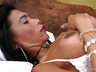 Big ass shemale Valerya Pacheco uses big fucking dildo