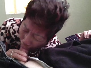 Asian Chinese porno: Chinese Granny Gives Good Head 2