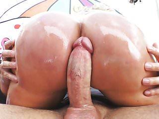 46anni Ryan Conner ama il sesso anale