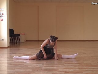 nyked Kim sexy Nadara gymnast