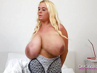 Hot Tit Bounce show