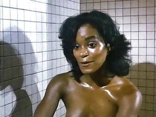Angela Bennett - Sexy Nude Sauna Girl: Fatal Games