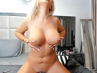 Nude live work out...