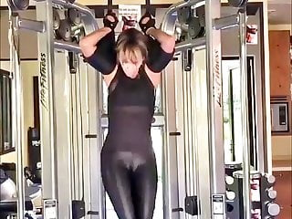 Halle berry sexy workout 12 07 2018...