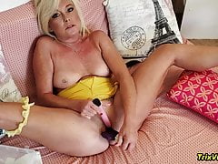 The JOI Show-Yellow with Orgasms