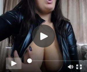 Beautiful big jiggling tits
