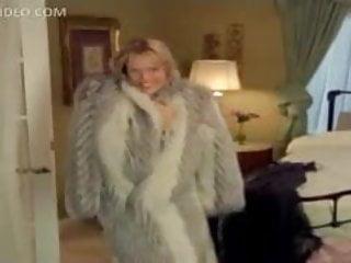 Hot Wives Keri Windsor