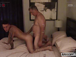 Rentboy seeking older gentlemen for bareback sex...