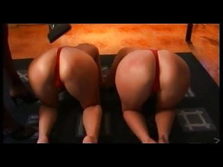 Lesbian Slaves for UK Mistress