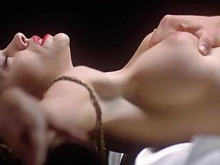 Brunette Big Tits porno: Alyssa Milano HD Slow Motion