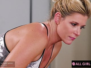 Jaye Summers' Ass Is Sore...But Her Pussy Feels Amazing!