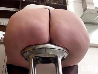 fat maid