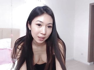 she suck like a pro touch her both nipples
