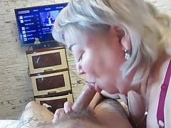 I persuaded my stepmom to give me a Blowjob