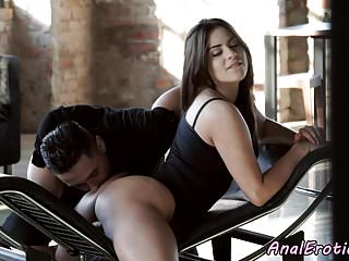 Bigass eurobabe inculato in doggystyle