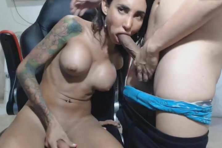 how do trannys get boobs