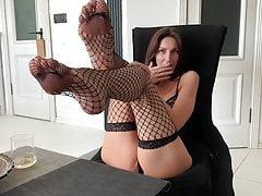 Hot Milf Liza Virgin begs you to cum on her sweet legs