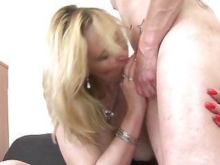 Dolce madre matura succhiare e scopare ragazzo
