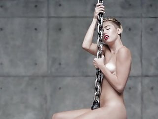 Miley cyrus naked videos