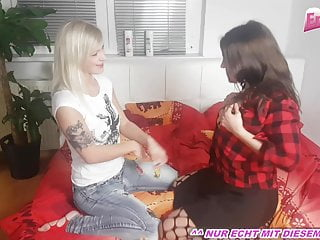 REAL PRIVATE THREESOME with german beginner teenagers FFM