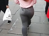 Candid Phat Insta Model in Jeans