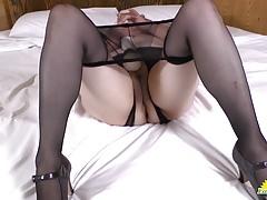 Dögös anyukák a fiúkkal szexelnek - egyveleg