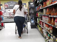 Latina with thick all natural beef ass in tight jeans