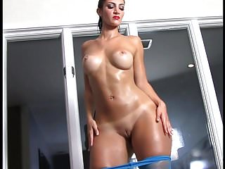 Rosee divine pops her oiled booty...