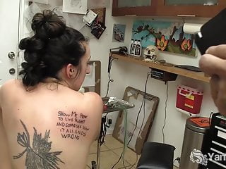 Yanks Samara Gets Inked While Fingering