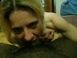 Best cougar sloppy blowjob ever...