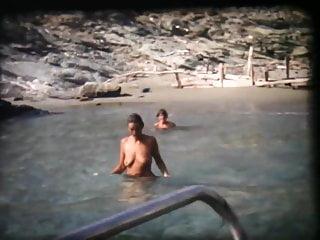 Ragazze Naturiste in Puglia