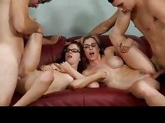 Családi szex videó jelenetek