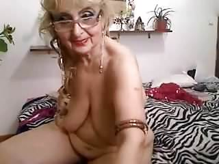 Granny showing nude on webcam...